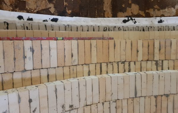 Wymiana wymurówki ogniotrwałej w piecu szybowym instalacji do wypalania kamienia wapiennego